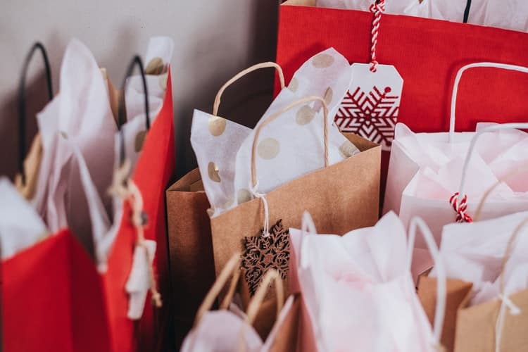 Fabric Christmas Gift Bags Are Ideal Choice